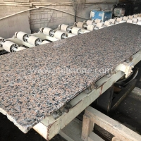 G003 G562 Light Red Base Maple Red Granite Random Edge Slabs