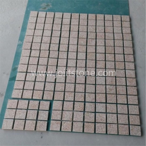 MS052 Yellow Granite Flamed Square Meshed Paving Stone