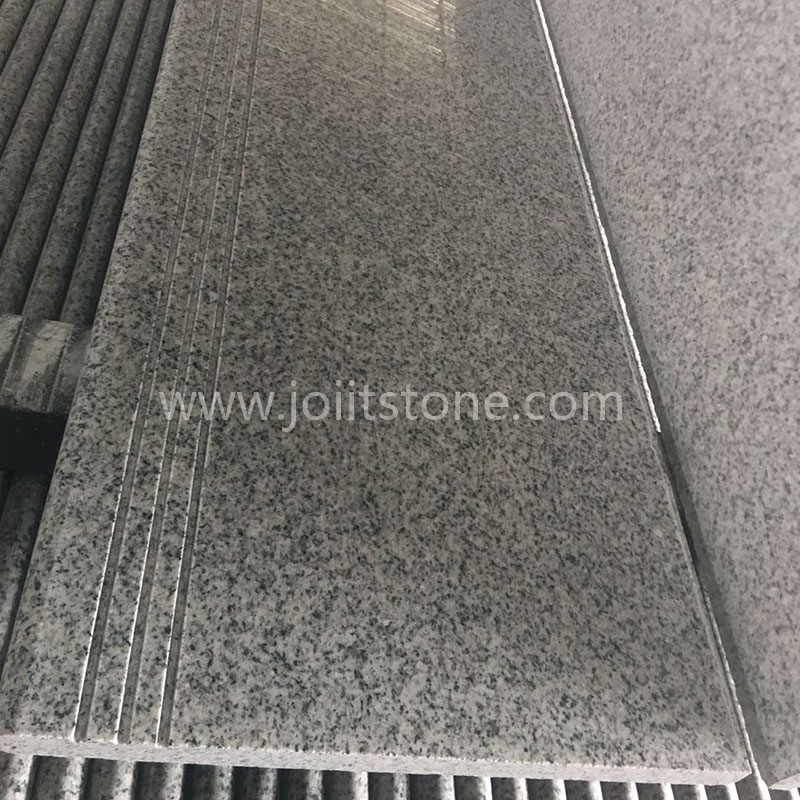 TR008 Polished G603 Lunar Pearl Granite Stairs with Anti-slip Lines