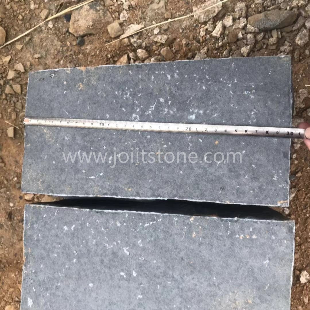 G682 yellow granite, cube stone, 10x10x3cm, bush hammered on surface, other sides sawn cut