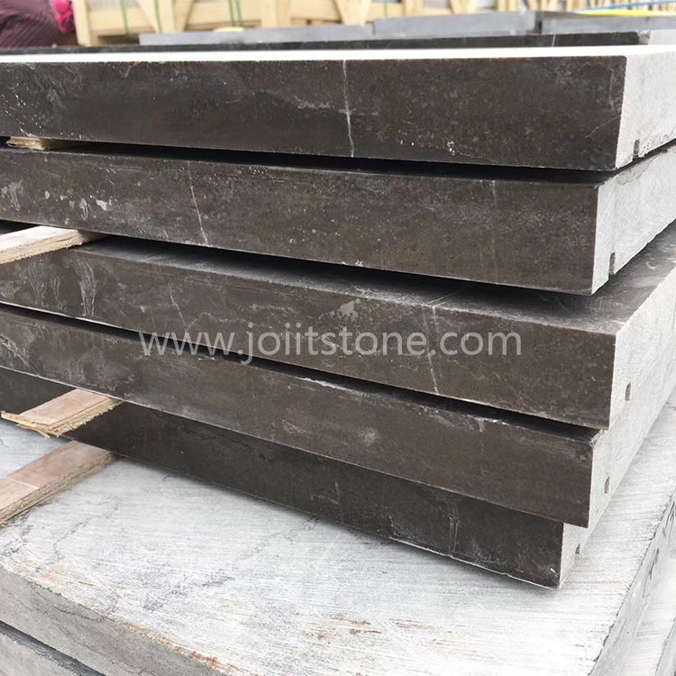 TR023 Blue Limestone Steps With Water Drains